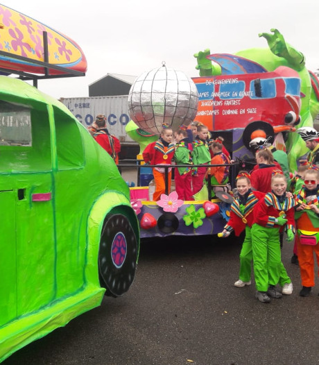 Boskoopse carnavalsoptocht rijdt vandaag met lagere praalwagens vanwege de wind