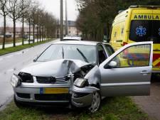 Automobilist lichtgewond door ongeluk in Tilburg