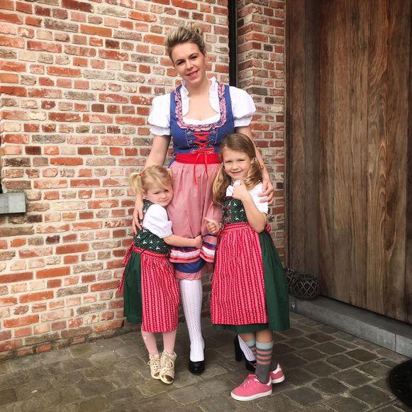 Ook burgemeester Dorien Cuylaerts was samen met de kinderen in de stemming.
