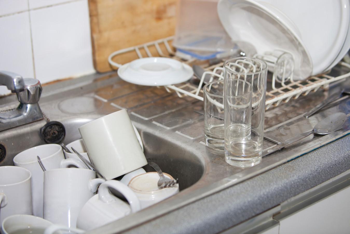 De afwas doen, een bed verschonen of de container buiten zetten. Wie zorgbehoevend is en voor een kleine praktische klus hulp nodig heeft, kan de Mobiele Hulpbrigade bellen in Heeswijk-Dinther en Loosbroek.