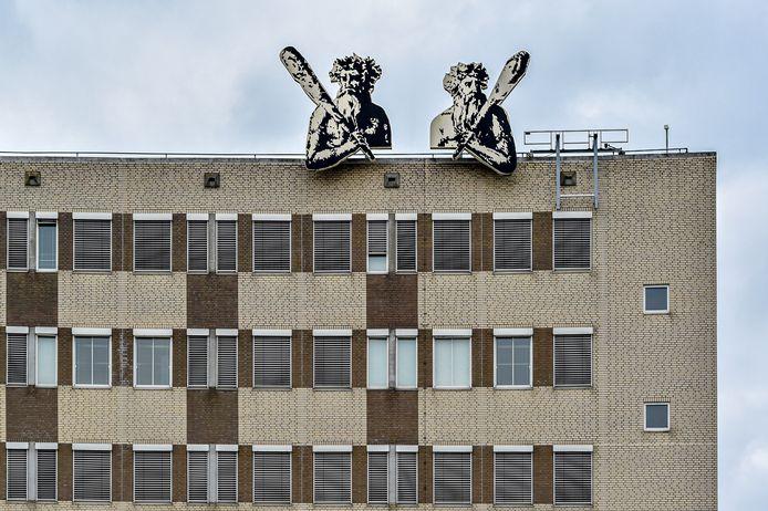 Ambtenaren op het stadskantoor in Bergen op Zoom maken zich grote zorgen over de bezuinigingen.
