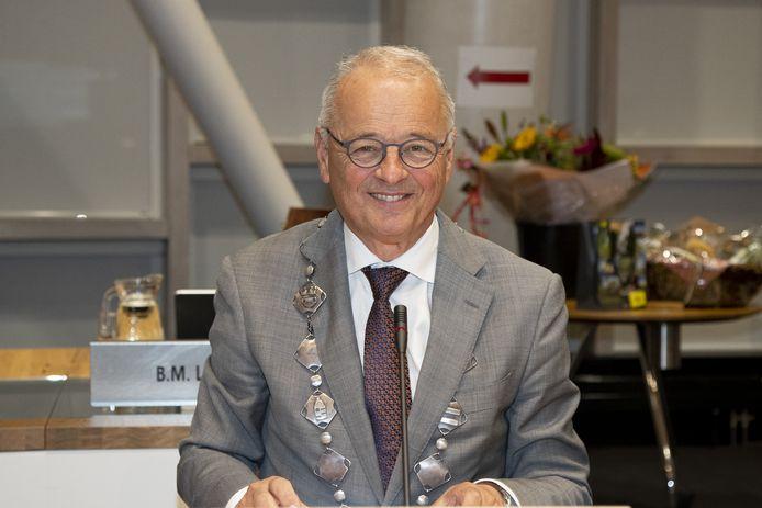 Jan Willem Wiggers bij zijn afscheid als waarnemend burgemeester van Hardenberg