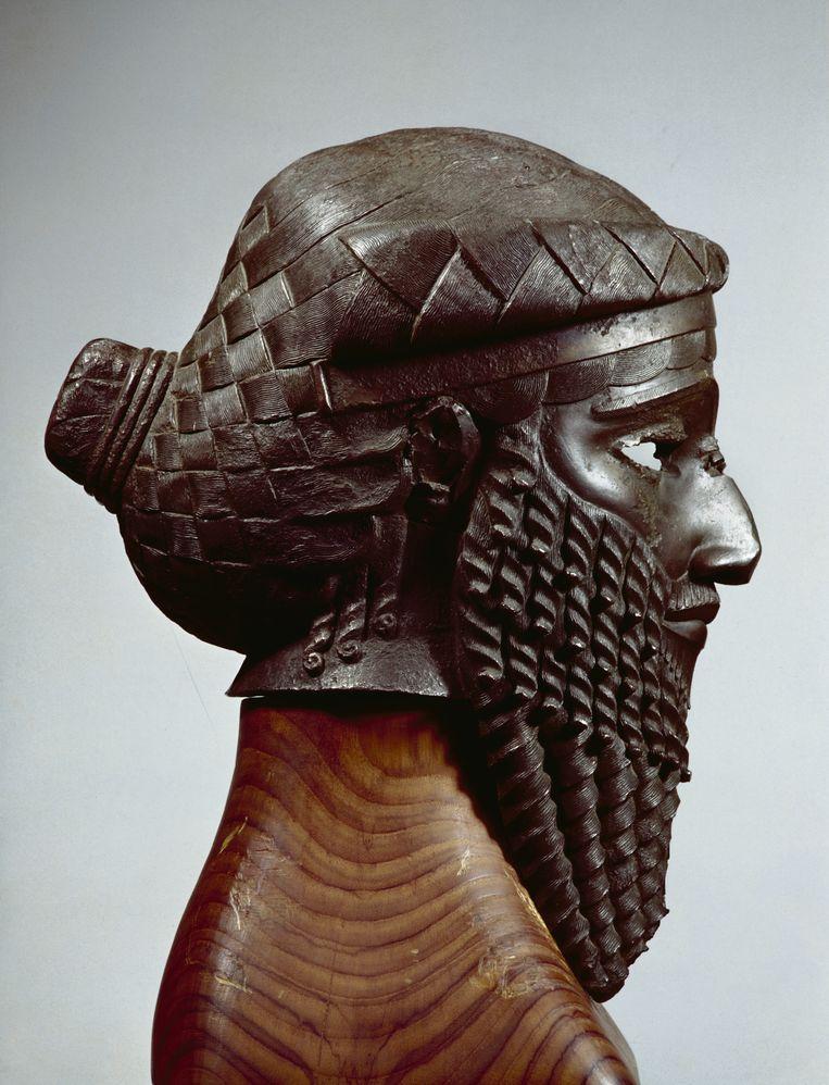 Kopie van een Akkadisch koningsportret in koper. Beeld RV