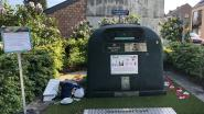 Bloemenperken die sluikstorters moeten weren week na opening al bezaaid met… afval