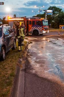 Olie op weg: motorrijder en auto botsen in IJsselstein