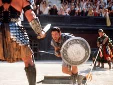 Harnas Russell Crowe uit Gladiator levert 80.000 euro op