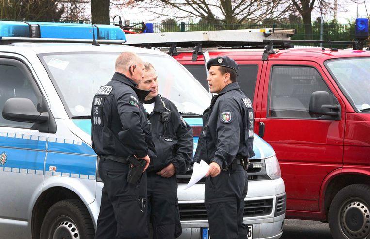 Politieagenten in Aken.
