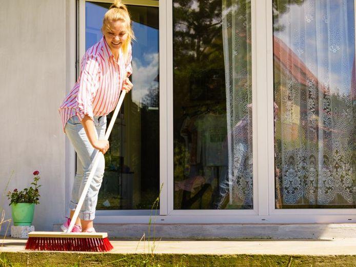 Le printemps est là et vous passez du temps à la maison. Pourquoi ne pas utiliser cette occasion pour rafraîchir votre terrasse ?