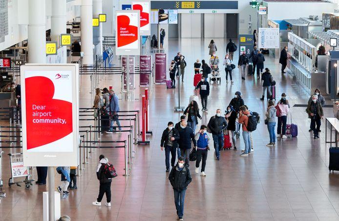 Reizigers op Brussels Airport.