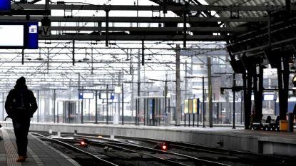 Pensioenstakers leggen openbaar vervoer en bedrijven plat in Nederland