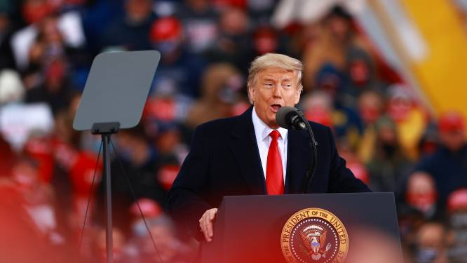 """Trump haalt tijdens rally in Michigan uit naar gouverneur Gretchen Whitmer: """"Sluit haar op"""""""