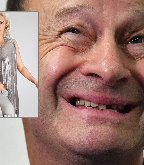 UKIP-leider dumpt 'sexy vlam' om racistische e-mails