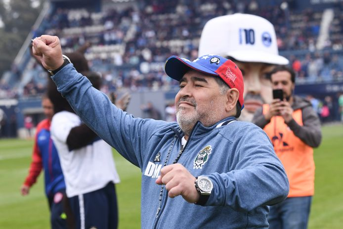 Diego Maradona voor de wedstrijd.