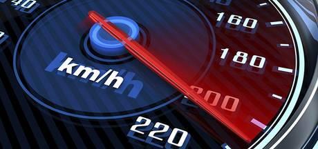 Hardrijder moet rijbewijs na week opnieuw inleveren na flinke snelheidsovertreding op A16