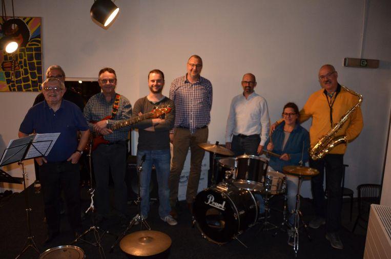 Boss Ross opent het nieuwe concertseizoen van de Lokerse Jazzklub in de kantine van AVLO.