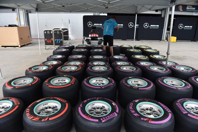 Voorbereidingen voor de Grand Prix van Bakoe bij Mercedes.