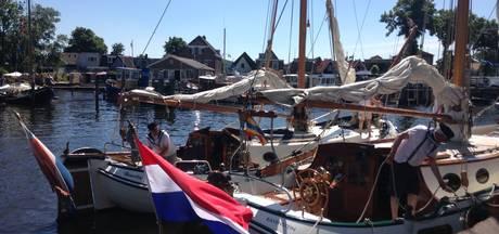 Admiraalzeilen slotstuk zonnige dag Zwartsluis onder Zeil