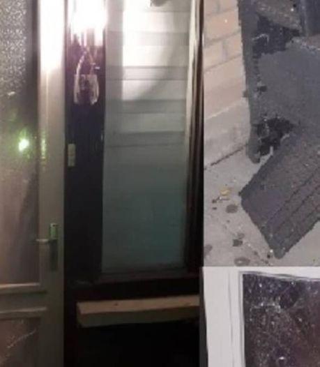 Zwaar vuurwerk verwoest voordeur van woning in Drachten: 'Het is een geluk dat er geen gewonden zijn gevallen'