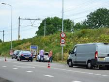 Botsing tussen drie auto's bij brug in Westervoort