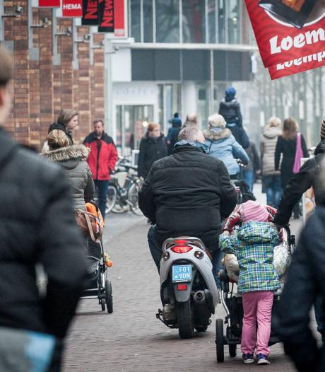 Post over scooteroverlast in Enschede maakt veel los: 'Ze racen door de binnenstad'