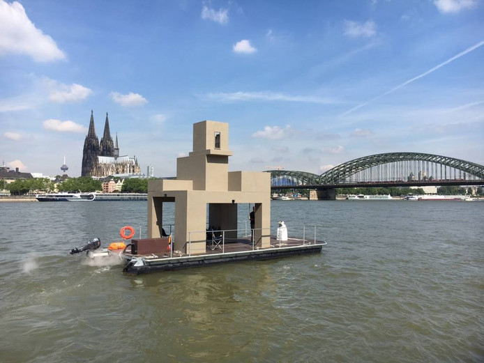De Stultitia II Floating Folly. foto Florian Graf
