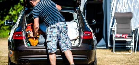 Uitwonende kinderen niet altijd meeverzekerd op reis