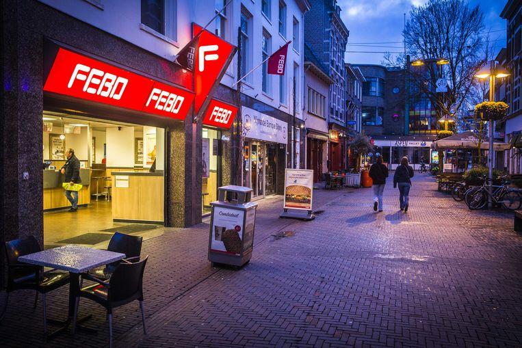 Bijna lege straten en horeca in het centrum van Arnhem nabij de Korenmarkt in maart, aan het begin van de coronacrisis. Beeld ANP