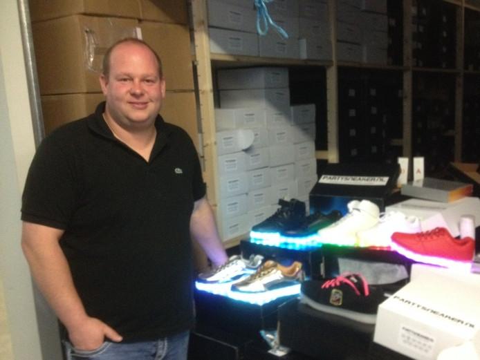 Michael Roodtveldt met zijn PartySneakers