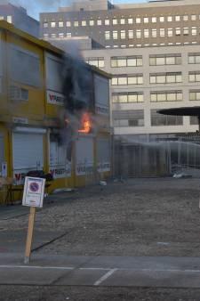 Uitslaande brand in bouwkeet op het Leeghwaterplein