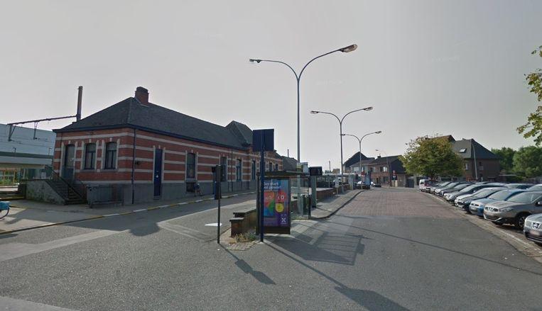 Het slachtoffer wilde nog even een sigaret roken op het Stationsplein vooraleer hij aangevallen werd.