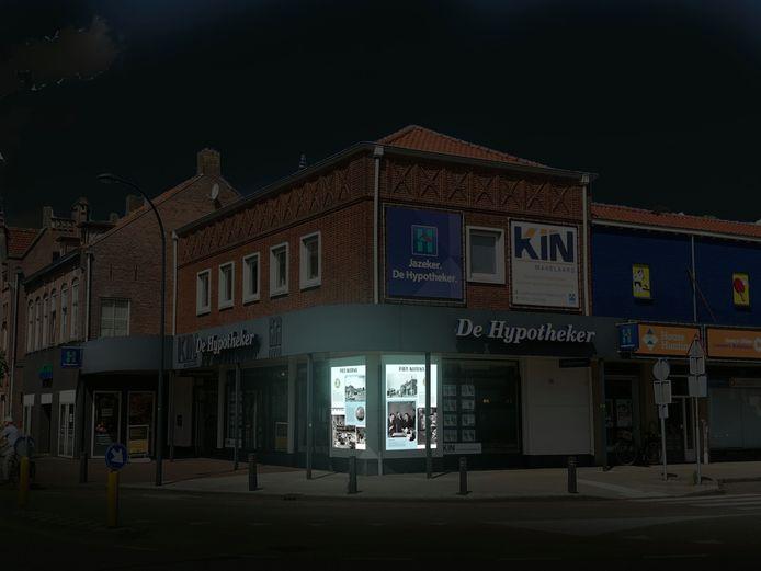 In dit pand van De Hypotheker aan de Grotestraat zat de eerste winkel van Piet Klerkx.