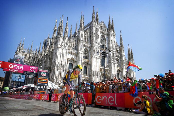 Jos van Emden vlak na de finish van de tijdrit in Milaan.