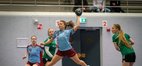 Verdeeldheid in Arnhems handbal over spelen met corona-risico, volleyballers spelen met veilig gevoel door maatregelen