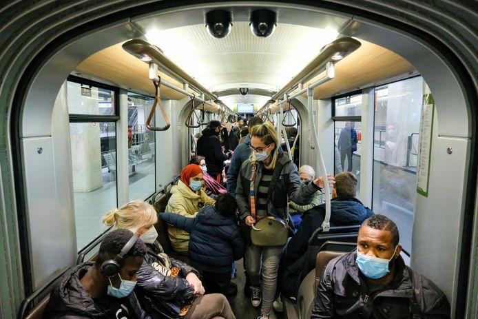 De Brusselse metro's blijven vollopen.