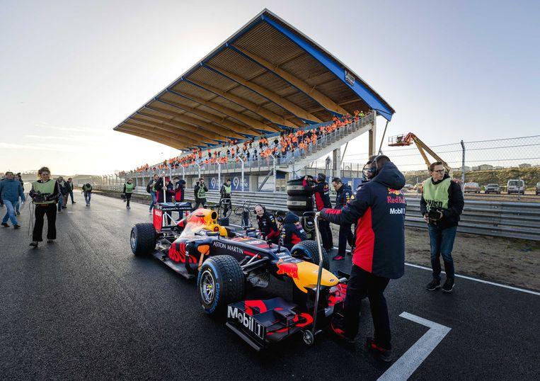 De auto van Max Verstappen op het circuit van Zandvoort eerder dit jaar.  Beeld ANP