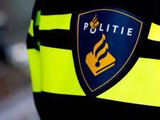 Verdachte die vrouw naar grond werkte om vuurwerk meldt zich bij politie