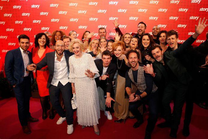 Wat begon met een achtkoppige cast die gestalte gaf aan de families Verbeeck, Bomans en Bastiaens, groeide uit tot een indrukwekkend gezelschap van vaste acteurs.