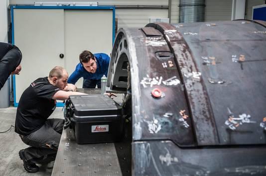 Productiehal van Dutch-Shape in Borne, dat mallen produceert voor producenten van vliegtuigen.