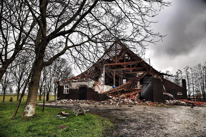 In januari 2018 verwoestte een storm de schuur.
