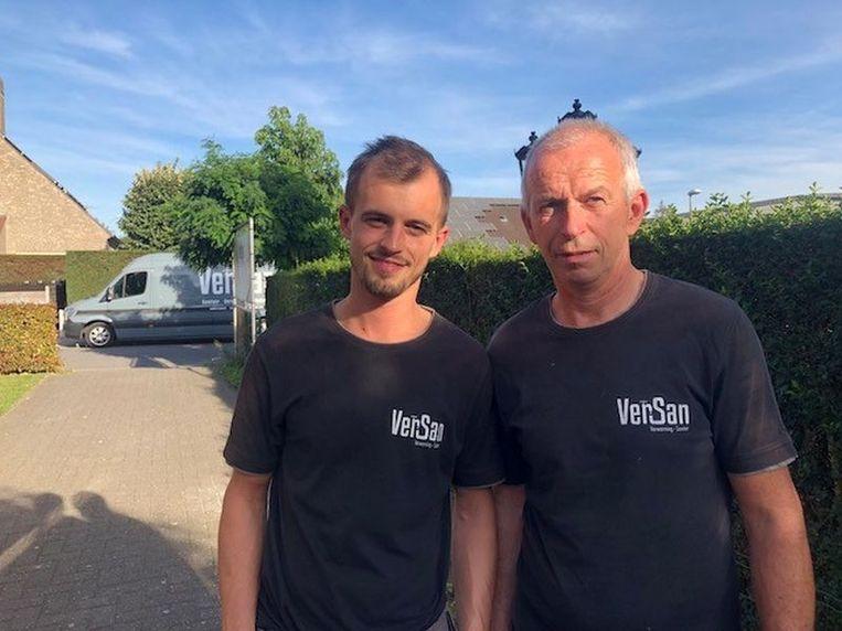 Sander (links) en Geert kozen voor de combinatie van cv-ketel en een houtkachel.