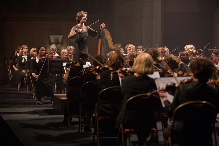 Christanne de Bruijn als Antonia in De dirigent (Maria Peters). Beeld