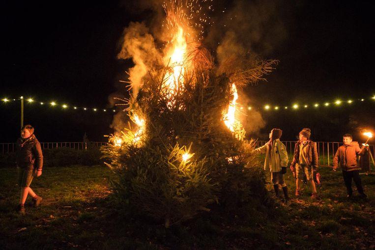 De kerstbomen gingen in vlammen op.