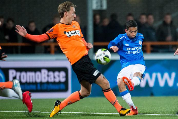 Mauro speelde dit seizoen ook in tien competitieduels voor Jong PSV, hier tegen FC Volendam.