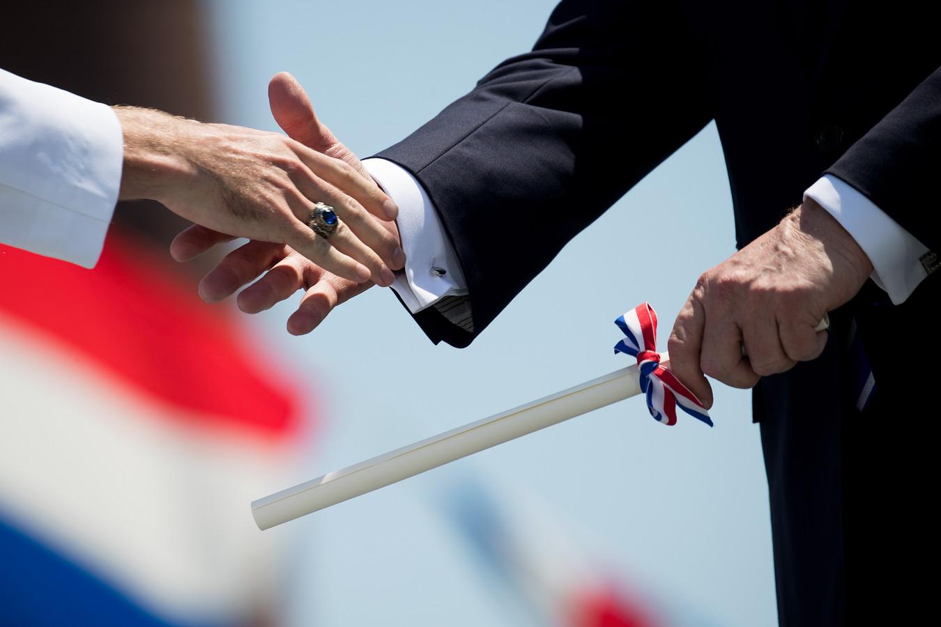 Een Nederlands mbo-diploma moet straks ook geldig zijn in Duitsland.