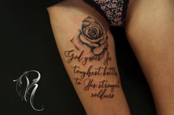 De uiteindelijke nieuwe tatoeage van Daniëlle, bedacht door Patricia