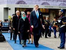 Koningspaar verwelkomt president Singapore op de Dam