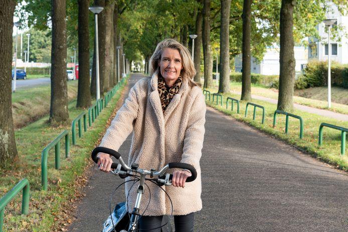 Esther van Garderen ziet de fiets als oplossing voor vele problemen.