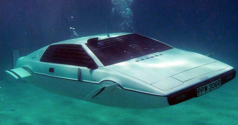 De duikboot-Lotus.