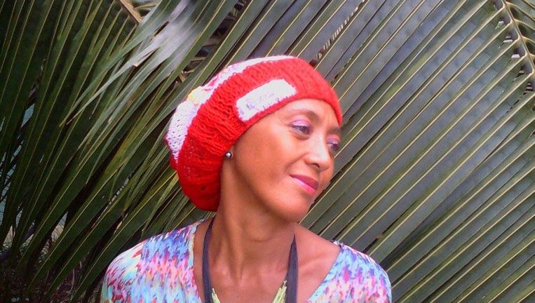 MaxEnzo Tahiti-mutsen van Régine. Beeld Henk Brands