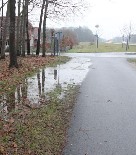 200 huishoudens zonder water door leidingbreuk in Holten